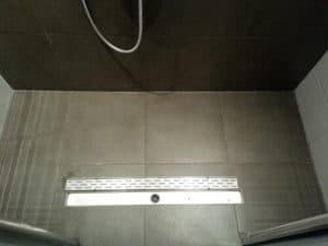 Dieptereiniging van een badkamer - ROVEQ schoonmaakproducten